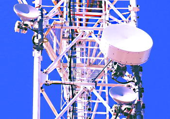 Two PPC-10G-E/2+0 20Gbps High Power radios aggregated into 40 Gbps wireless channel