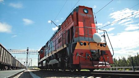 76 GHz radar for driverless locomotive